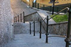 Trappa och räcke i Cesky Tesin Arkivbilder