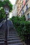 Trappa på vägen till basilikan Sacre-Coeur. Paris. Arkivbild
