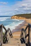 Trappa som leder till den australiska stranden Royaltyfria Bilder