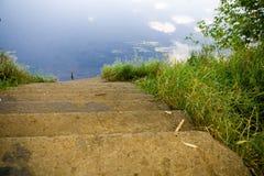 trappa som ska waters Arkivbild