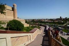 Trappan till den Hazrat Khizr moskén, var den islamKharimov gravvalvet vars värd samarkand uzbekistan royaltyfri fotografi
