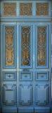 Trappe bleue en bois Photos libres de droits