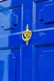Trappe d'entrée bleue Photos stock