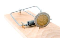 Trappe de souris avec l'euro pièce de monnaie Photographie stock