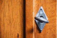 Trappe en bois avec la clé Photographie stock libre de droits