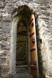 Trappe en bois de vieux château Photo stock