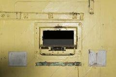 Trappe jaune de porte de cellules, Adelaide Gaol, Adelaïde, Australie du sud photographie stock libre de droits
