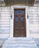 Trappe néoclassique élégante de maison image stock