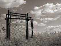 Trappes dans la terre en friche Photos libres de droits