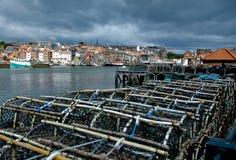 Trappes de langoustine dans Whitby images libres de droits