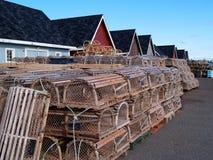 Trappes de langoustine sur le quai Image libre de droits