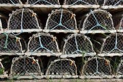 Trappes soigné empilées de langoustine photographie stock