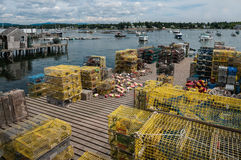 Trappole dell'aragosta su un bacino di pesca in Maine Fotografie Stock Libere da Diritti