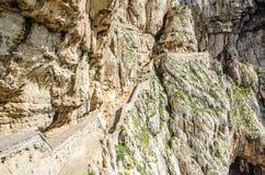 Trappor till Neptungrottan i capoen Caccia Arkivfoton