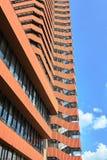 Trappuppgång av envåning byggnad av universitetet av nationalekonomi royaltyfria bilder