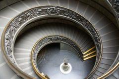 trappuppgång för dubbel spiral royaltyfri bild