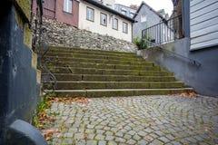Trappuppgång i stad Arkivbild