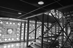 Trappuppgång på den `-Institut du Monde Arabe `en, Royaltyfria Foton