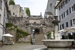 Trappuppgång som det leder till den Rapperswil slotten Royaltyfria Foton