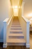 Trappuppgång som uppför trappan går Fotografering för Bildbyråer