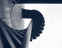 Trappuppgångmoment som bygger spirala arkitekturdetaljer för yttre brand royaltyfria foton