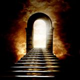 Trappuppgång som leder till himmel eller helvete Arkivbild