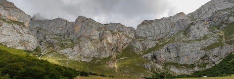 Trasa przez cudownych miejsc Picos De Europa Zdjęcie Stock