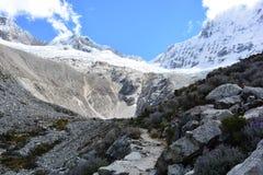 Trascini al lago 69, nel parco nazionale del ¡ n di HuascarÃ, il Perù Fotografie Stock
