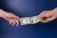 Trasferimento di soldi Fotografie Stock Libere da Diritti