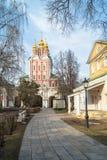 Trasfigurazione sopra - gate la chiesa nel convento di Novodevichy, Mosca Fotografie Stock