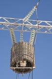 Trasformatore di alta energia contro il cielo Fotografie Stock Libere da Diritti