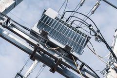 Trasformatore di distribuzione di elettricità fotografia stock libera da diritti