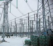 Trasformatore elettrico ad alta tensione in sottostazione Fotografia Stock Libera da Diritti