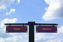 Trash e recicl o sinal Fotografia de Stock