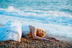 Trash o vestido de casamento Foto de Stock