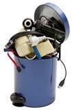 Trashcan com desperdício eletrônico Imagens de Stock