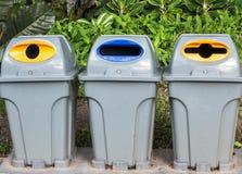 Trashcan en parque Foto de archivo