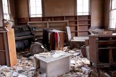 trashed комната стоковое изображение rf