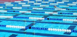 Traslapar-piscina Imágenes de archivo libres de regalías