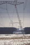 Trasmissione di corrente elettrica   Fotografia Stock