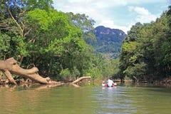 Trasportando su una canoa, la Tailandia Immagini Stock