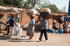 Trasporto africano dell'alimento Fotografia Stock