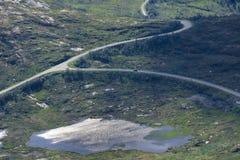 Trasporto ai posti distanti Infrastrutture stradali nel paese immagine stock libera da diritti