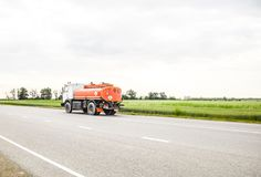 Trasporto dei liquidi infiammabili Camion Fotografie Stock