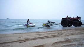 Trasporto del jet ski video d archivio