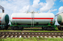 Trasporto dell'olio in serbatoi dalla guida Fotografia Stock Libera da Diritti