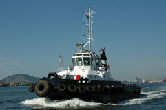 Trasporto di Tudboat nel porto di Santos Fotografia Stock Libera da Diritti