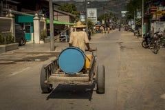 Trasporto locale di un barilotto nel Myanmar Fotografia Stock Libera da Diritti