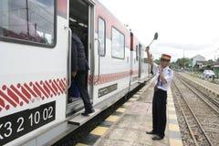 Trasporto Railbus nelle stazioni di Sukoharjo Fotografie Stock