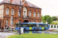 Trasporto urbano del bus a Zagabria, Croazia in un giorno piovoso Fotografia Stock Libera da Diritti
